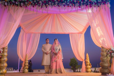 Ganesh N Nishtha : A Beach Wedding in Mumbai filled with all the good life has to offer!